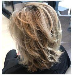 Layered Haircuts Shoulder Length, Medium Length Hair Cuts With Layers, Medium Hair Cuts, Short Medium Layered Haircuts, Shoulder Length Hair Cuts With Layers, Cute Medium Length Haircuts, Chin Length Haircuts, Medium Shag Hairstyles, Layered Haircuts For Women