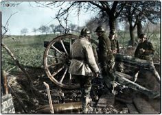 A+French+75mm+field+gun+in+position+and+ready+for+the+arrival+of+the+German+army's+Panzers,+1939/40