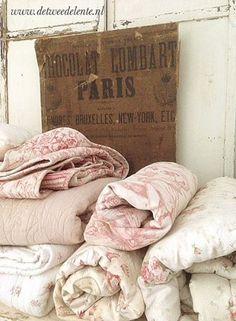a treasure trove of antique quilts. Estilo Shabby Chic, Shabby Chic Style, Shabby Chic Decor, Parisian Chic, Antique Quilts, Vintage Textiles, Vintage Quilts, Vintage Linen, Vintage Style