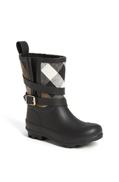 Burberry 'Holloway' Rain Boot (Toddler & Little Kid) Burberry Rain Boots, Burberry Kids, Tartan Fashion, Fashion Boots, Young Fashion, Kids Fashion, On Shoes, Baby Shoes, Designer Baby Clothes