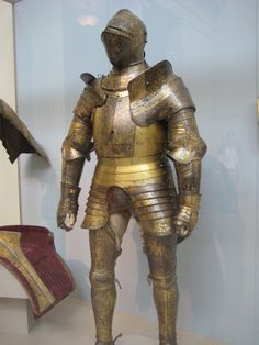 Rüstung Heinrich VIII. mit geschobenen Achseln und Vorderflügeln  Henry_VIII expensive pegean armour with besagues