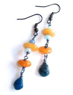 Boucles d'oreille wire wrap avec des jades jaunes et par Adrimag