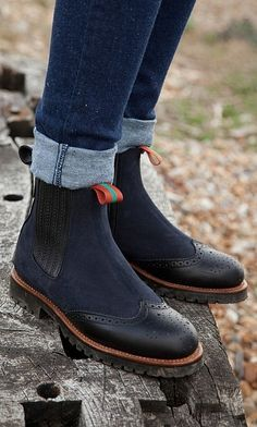Oscar boots - classic Chelsea boot updated. Plümo.