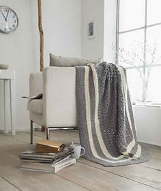 Crochet Throw with lace pattern in the center, free pattern by Schachenmayr