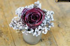 wie du aus kerzenresten rosen haltbar machen kannst wachsrosen selber machen. Black Bedroom Furniture Sets. Home Design Ideas