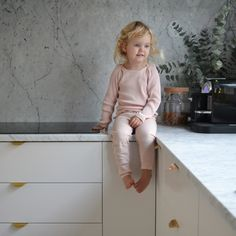 Kitchen. Marble. Marble countertop. Gold. Superfront. Ikea. Ikeahack.