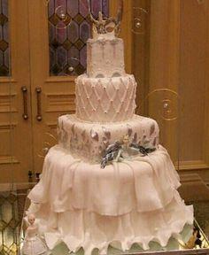 Cirque Soleil wedding cake,design by LOURDES PADILLA