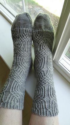 Scrollwork Socks - never met a Verybusymonkey design I didn't absolutely love! These are no exception.