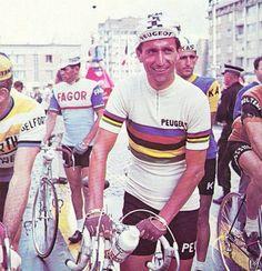 Tom Simpson in the rainbow jersey.