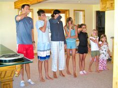 71 Toes: the reunion {and how we do it}. This has so many awesome ideas! I love the idea of putting all the kids in groups according by age for age appropriate activities