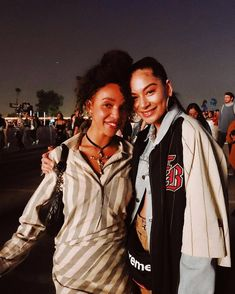 FKA twigs with a fan at Camp Flog Gnaw Camp Flog Gnaw, Most Beautiful, Fan, Pictures, Women, Style, Fashion, Photos, Swag