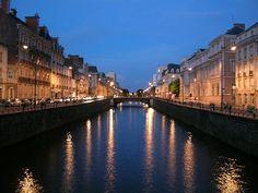 Voici ma Rennes , rivière Vilaine à la nuit