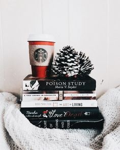 Book Photography Winter Snow Ideas For 2019 Christmas Mood, Christmas Quotes, Christmas Fashion, Christmas Pictures, Christmas Aesthetic, Book Aesthetic, Book Photography, Camping Photography, Mountain Photography