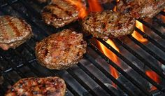 Edison's famous newfy moose burger With so many moose on one island, it's no wonder Newfoundlanders have developed a great moose burger recipe. Best Hamburger Recipes, Moose Recipes, Beef Recipes, Cooking Recipes, Game Recipes, Cooking Tips, The Best Burger, Good Burger, Burger Night