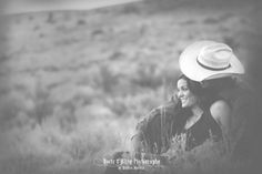 Western couple outdoor photo shoot ideas.