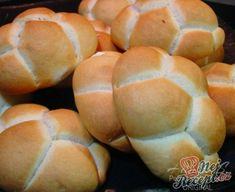 Hamburger s vepřovou pečení Easy Cooking, Cooking Recipes, German Bakery, Meat Rubs, Czech Recipes, Ciabatta, Bread Rolls, Pizza Dough, Sweet Bread