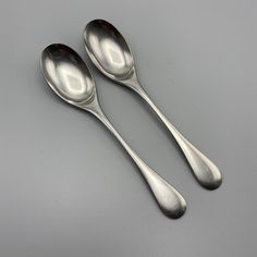 "Oneida CHATEAU Set of 4 NEW Soup Spoons 6 3//4/"" Deluxe Stainless Flatware"