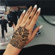 Amazing Advice For Getting Rid Of Cellulite and Henna Tattoo… – Henna Tattoos Mehendi Mehndi Design Ideas and Tips Henna Tattoo Muster, Mehndi Tattoo, Henna Mehndi, Mehendi, Henna Hand Tattoos, Ladies Hand Tattoos, Cuff Tattoo, Henna Ink, Henna Body Art