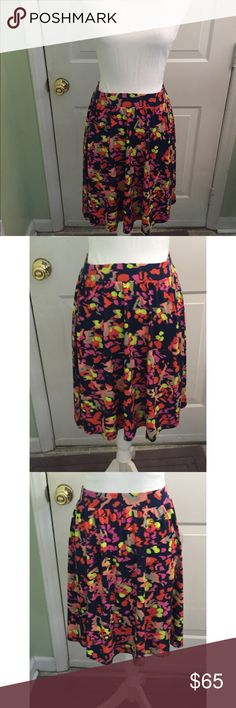 Lilla P NYC Colorful midi Skirt NWT 💕 Beautiful, Brand New With Tags Lilla P NYC Skirt!! This skirt is an XS. 95% polyester & 5% spandex. Very soft, stretchy and comfortable. Perfect for the upcoming Spring season. Feel free to make an offer ❤️                                    🚫No lowball offers please! Lilla P Skirts Midi