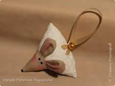 Игрушка Мастер-класс Новый год Шитьё Новогодняя мышка МК по изготовлению Краска Нитки Сутаж тесьма шнур Ткань фото 1