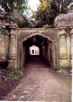 Home to vampires.  Also to some truly breathtaking art. previous pinner: We've got to go here!  Highgate Cemetery in London!  The cemetery's main walkway is aptly called Egyptian Avenue and has a couple of foreboding obelisks. The original Dracula author Bram Stoker is said to have been inspired by the ambient creepiness of the Highgate Cemetery while he was writing.