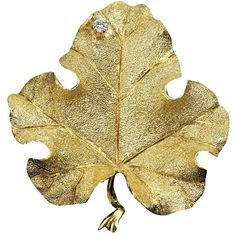 Large Leaf Pin With Diamond (.05 Ct) (188.265 RUB) ❤ liked on Polyvore featuring jewelry, brooches, necklaces, 18 karat gold jewelry, 18k jewelry, leaves jewelry, diamond jewelry and leaf brooch
