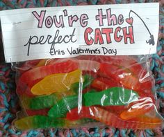 Day Recap Fun little gift for guy that loves to fish; Could also use it for their first fishing outing-cute idea for my kids:-)Fun little gift for guy that loves to fish; Could also use it for their first fishing outing-cute idea for my kids:-) Valentine Day Love, Valentine Day Crafts, Valentine Ideas, Kids Valentines, Valentine Desserts, Valentine Theme, Homemade Valentines, Holiday Treats, Holiday Fun