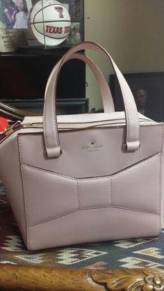 Kate Spade pink handbag I LOVE IT!! :)) ♡♡ Pink Handbags, Kate Spade Handbags, Fashion Handbags, Tote Handbags, Purses And Handbags, Kate Spade Pink, Kate Spade Bag, Beautiful Bags, My Bags