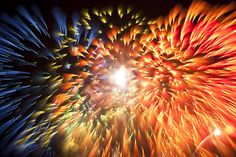 How To Photograph Spiky Fireworks With Long Exposure | DIYPhotography.net