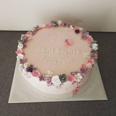 Pretty Birthday Cakes, Birthday Cake Girls, Christening Cake Girls, Rosa Tattoo, Fondant Wedding Cakes, Fashion Cakes, Good Hair Day, Girl Cakes, Marzipan