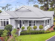 Humphries Road Frankston South Frankston Leader real estate May 8 2017 Immobilien Humphries Road Frankston South Frankston Leader Mai 2017 Exterior Color Schemes, Exterior Paint Colors, Exterior House Colors, Exterior Design, Paint Colours, Colour Schemes, Exterior Rendering, Grey Exterior, Facade Design