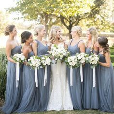 If you are planning for an outdoor wedding and still in search for the perfect bridesmaids look for your girl squad, we bet that you'll like this one! 💗 Double tap if you like it ... . . Photo via @somethingprettyfloral . . #weddingforward #weddingblog #weddingfashion #bridalfashion #bridalgown #veil #beautifulbride #свадебноеплатье #fashioninspo #gelinlik #chic #weddinggown #hautecouture #gown #weddingdress #gowninspo #lace #свадьба #weddings #weddingphotographer #bridesmaid…