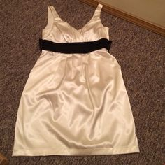 Dress Light beige and black Appropriate behavior  Dresses