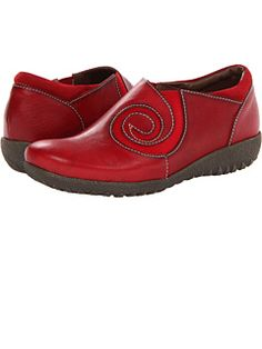 Spring Step at Zappos. Free shipping, free returns, more happiness!...oooo just ordered the last pair in my size!