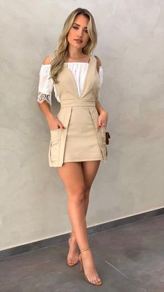 Puffed Sleeve Buttoned Casual Romper - Puffed Sleeve Buttoned Casual Romper Source by yolandegyleslev - Look Fashion, Skirt Fashion, Fashion Dresses, Womens Fashion, Fashion Design, Cute Dresses, Casual Dresses, Stylish Outfits, Cute Outfits