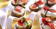 Easter Brunch Recipes: Salmon Appetizer with Cream Cheese, Homemade Cream Cheese and Bacon and Egg Muffins Salmon Appetizer, Shrimp Appetizers, Holiday Appetizers, Appetizer Recipes, Salmon Canapes, Antipasto, Cream Cheese Homemade, Tapas, Brie Bites