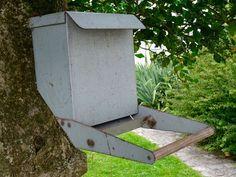 Mangeoire pour oiseaux en métal - Curiosités d'Antan