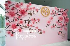 แต่งงาน รับทำฉาก Backdropดอกไม้กระดาษ/inkjet by Proppiness - WeddingSquare