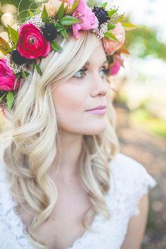 Country Garden Floral Crown  #weddinginspiration #coralwedding #coralandputty