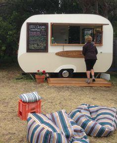 caravan bar 520517669409735982 - Pop-Up Kiosk Caravan Source by jonisaacminty Coffee Van, Coffee Shop, Caravan Shop, Mobile Coffee Cart, Concession Food, Coffee Trailer, Mobile Catering, Food Vans, Pop Up Bar