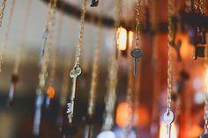 Romantic Steampunk Wedding Ideas ~ Keys hanging as decor Steampunk Wedding Themes, Steampunk Theme, Steampunk Lamp, Victorian Steampunk, Victorian Era, Steampunk Centerpiece, Wedding Table Centerpieces, Wedding Decorations, Diy Wedding Planner