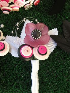 Button Corsage by rbkcreations, via Flickr