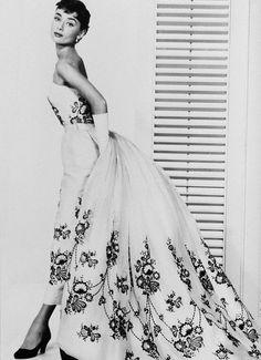 Вечернее длинное платье 60-х годов