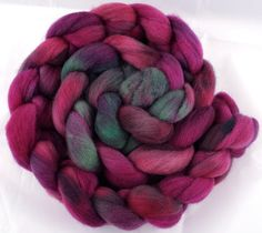 Hand-dyed Haunui New Zealand Halfbred combed wool roving (tops) - 100gr Opera over Light Grey