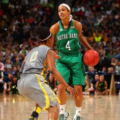 Skyler Diggins sooooo good at basketball!!!! Love her!