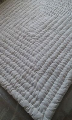 """YÜN"" Ne Büyük Nimetmiş Meğer Dog Blanket, Boutique Homes, King Comforter, Sheep Wool, Baby Knitting Patterns, Home Textile, Comforters, Textiles, Pillows"