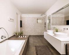 Objekt 254: moderne Badezimmer von meier architekten