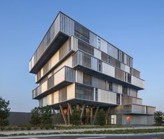 Image 1 of 15 from gallery of Aquitanis Headquarters / Platform Architectures. Photograph by Luc Boegly