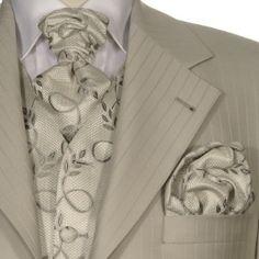 http://www.the-big-gentleman-club.com/kent-shark-jabot-ziertuch-hochzeitsanzug-xxl-uebergroesse.html Jabot und ein Ziertuch maßgefertigt zum Hochzeitsanzug, das perfekte Accessoire.