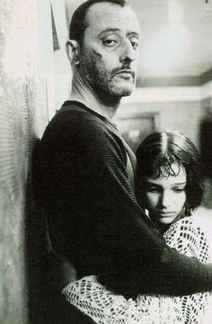 "Jean Reno and Natalie Portman, ""Léon"" (The Professional). Decent assassin meets wannabe protogé, makes good movie. Plus, anyway, Jean Reno. Natalie Portman Leon, Natalie Portman Star Wars, Love Movie, Movie Stars, Movie Tv, Foto Face, Mathilda Lando, Luc Besson, Foto Portrait"